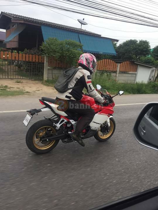 Lo anh Panigale 150 tren duong chay thu - 3