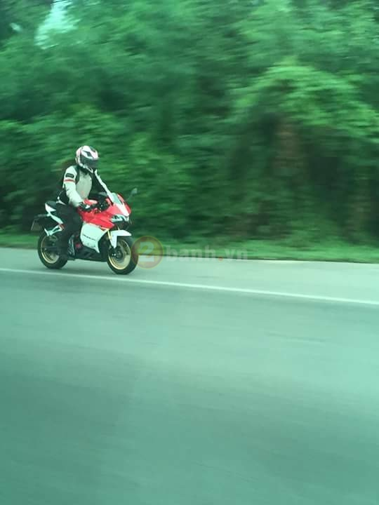 Lo anh Panigale 150 tren duong chay thu - 4