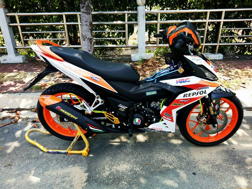 Winner 150 do leng keng voi bo canh Repsol dam chat the thao - 3