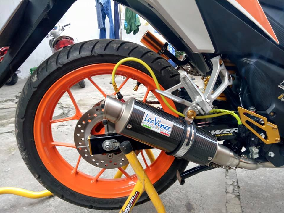 Winner 150 do leng keng voi bo canh Repsol dam chat the thao - 7