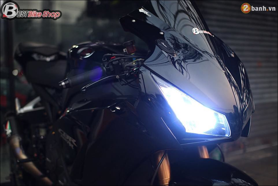 Bo mong CBR1000RR cuc chat qua Version full Black
