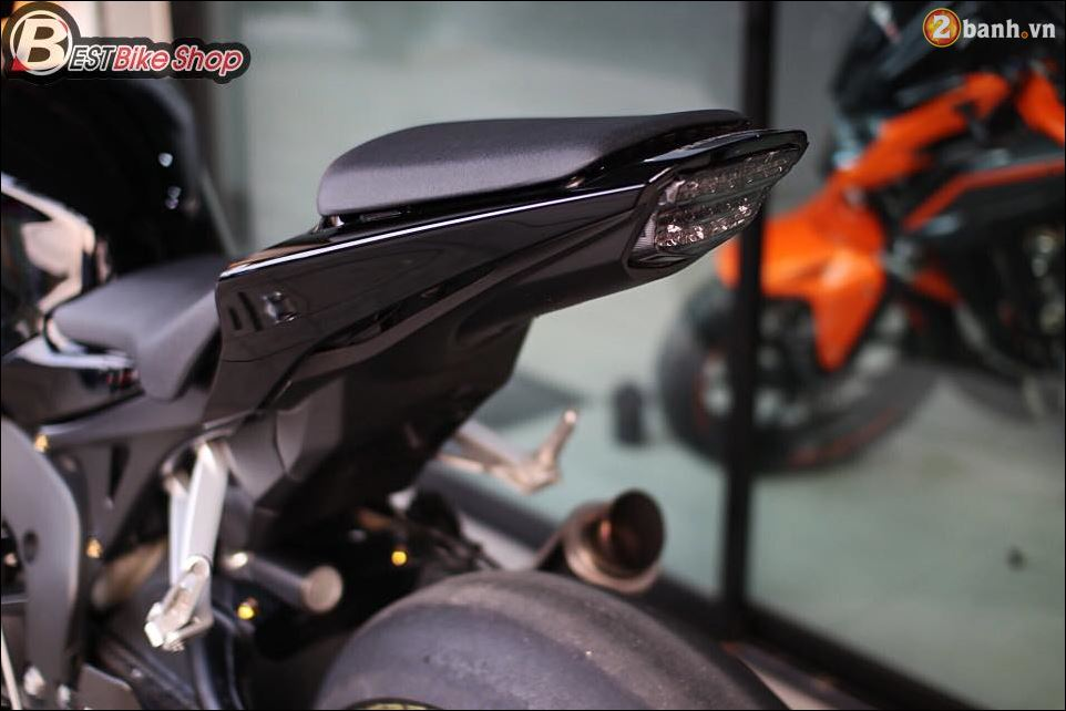 Bo mong CBR1000RR cuc chat qua Version full Black - 12