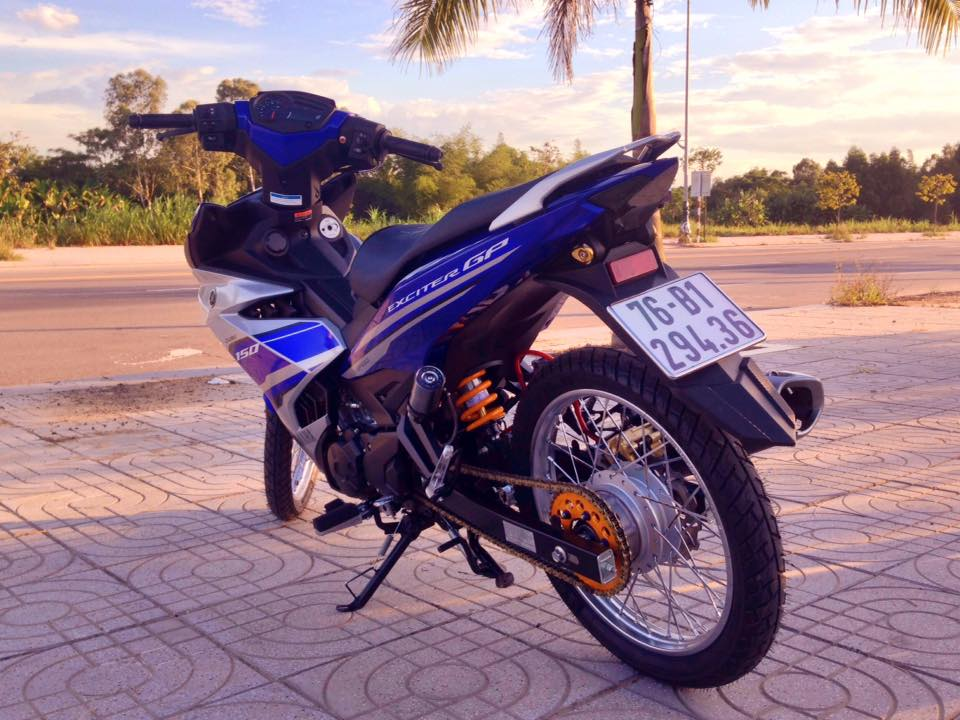 Exciter 150 do gon gang voi dan chan luoi lao than toc