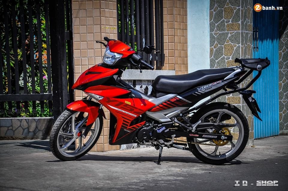 Yamaha Exciter 150 do phong cach Y15ZR voi noi cong toc bien - 6