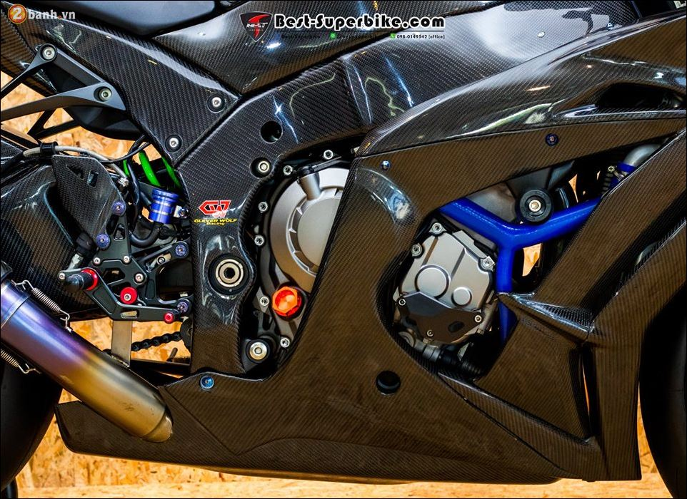 Kawasaki ZX10R ban do buc pha khong ty vet tu option Carbon Clever Wolf - 12