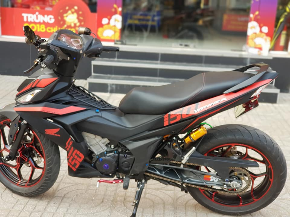 Winner 150 do chat ngat ngay voi gap KTM 390 cua biker Viet - 6