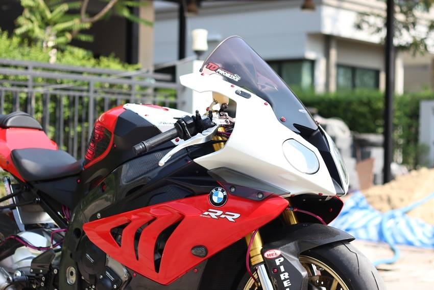 BMW S1000RR ve dep kho choi tu cap doi Hunter Sharks - 3