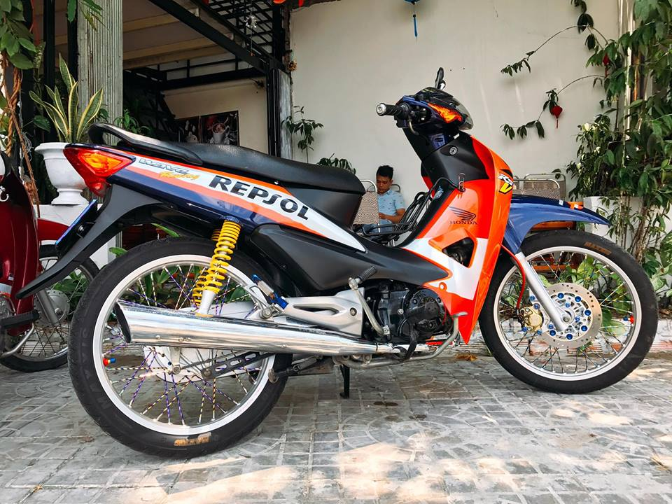 Wave A do phong cach Repsol day an tuong