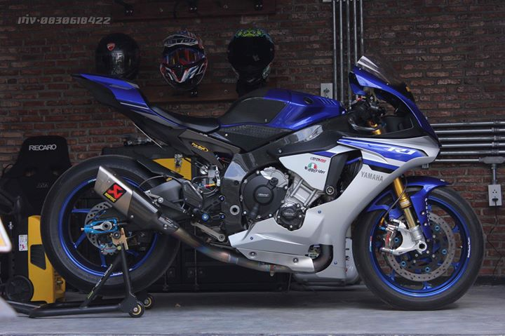 Yamaha R1 Superbike do khung full option tai xu Thai
