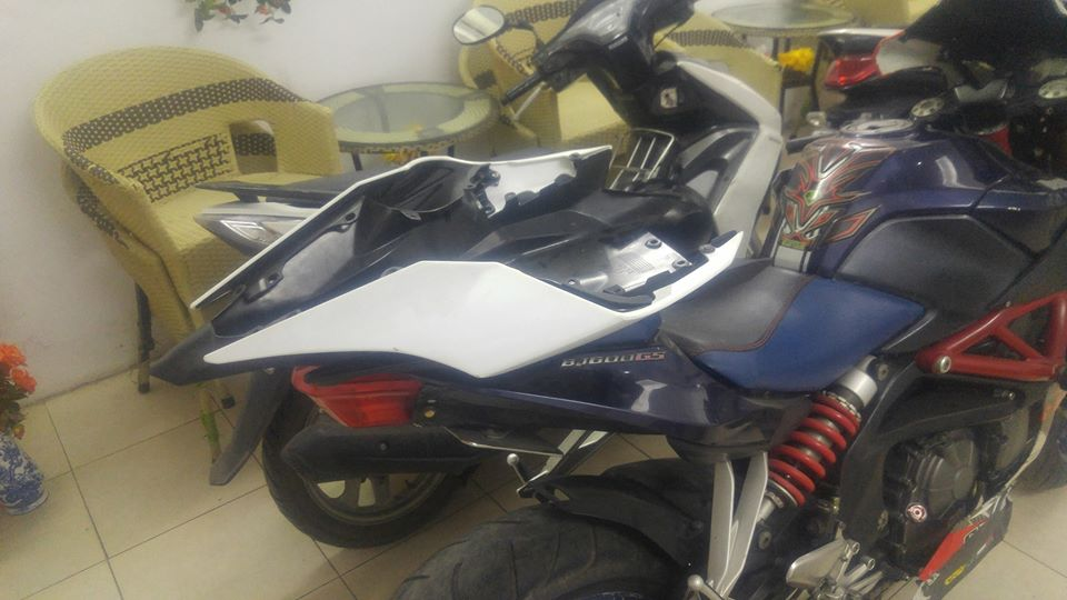 Benelli BJ600GS ban do day sang tao voi than hinh Yamaha R1 - 8