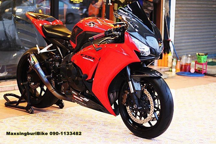 Honda CBR1000RR chan dung cuc chat do option Carbon fiber