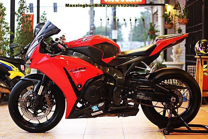 Honda CBR1000RR chan dung cuc chat do option Carbon fiber - 13