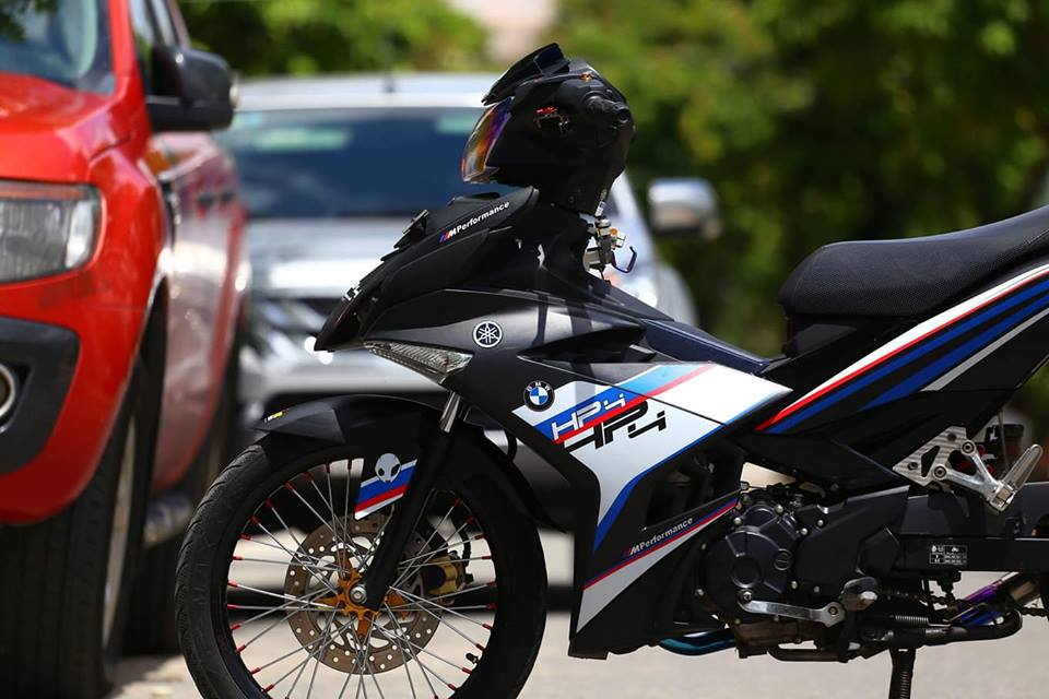 Exciter 150 do phong cach HP4 BMW day the thao - 4