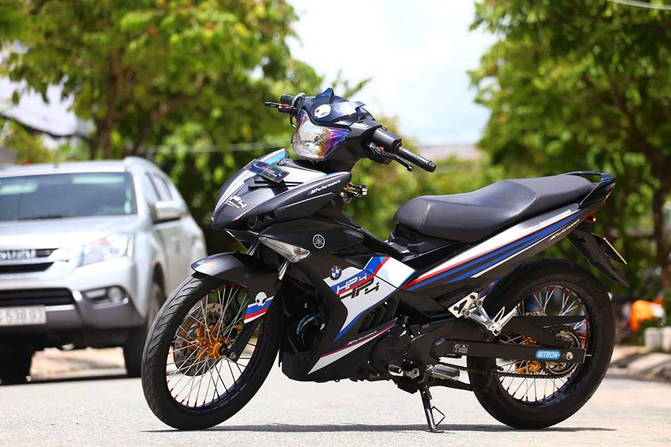 Exciter 150 do phong cach HP4 BMW day the thao - 8