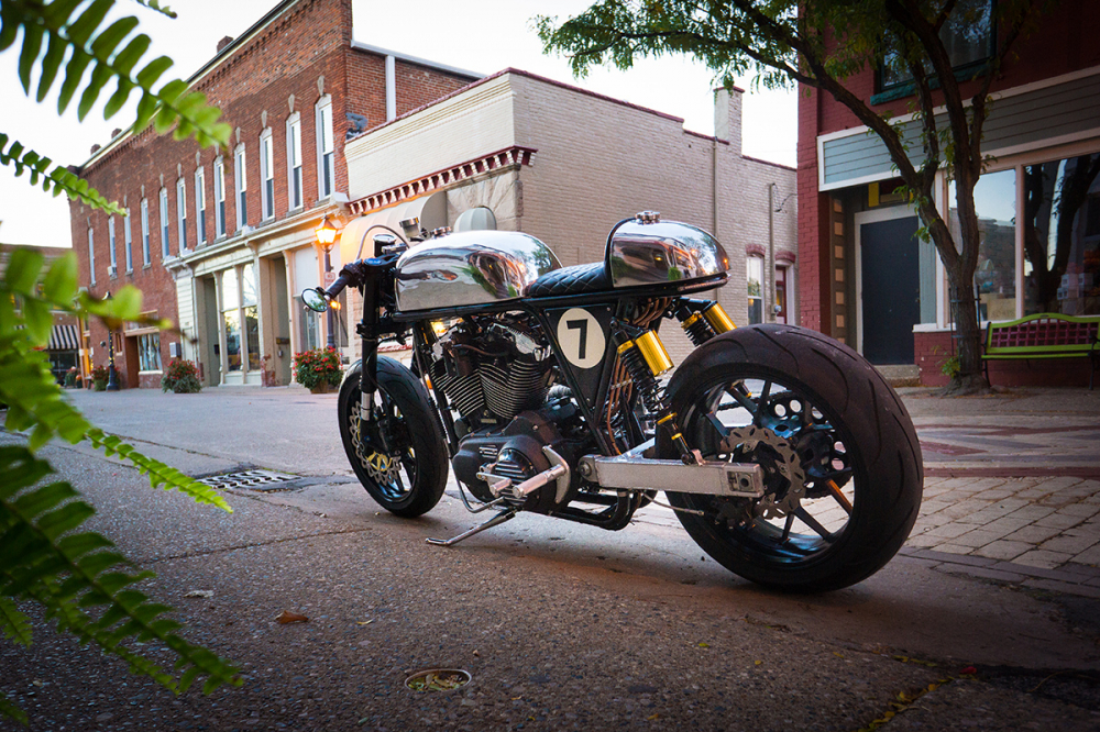 HARLEY SPORTSTER do an tuong voi phong cach CAFE RACER