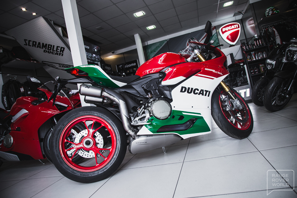 Can canh DUCATI 1299 PANIGALE R FINAL EDITION gia 40000 USD - 11