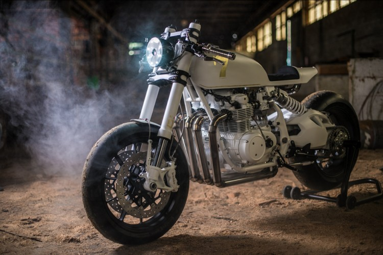 Honda CB500 Four do Cafe Racer den tu Duke Motorcycles