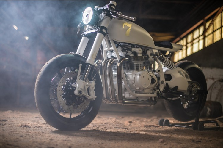 Honda CB500 Four do Cafe Racer den tu Duke Motorcycles - 12