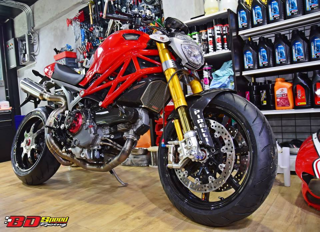 Ducati Monster 1100S do cuc chat voi dan chan khung