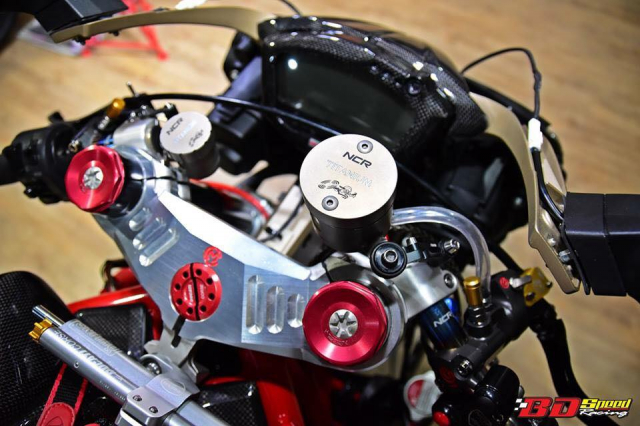 Ducati Monster 1100S do cuc chat voi dan chan khung - 4