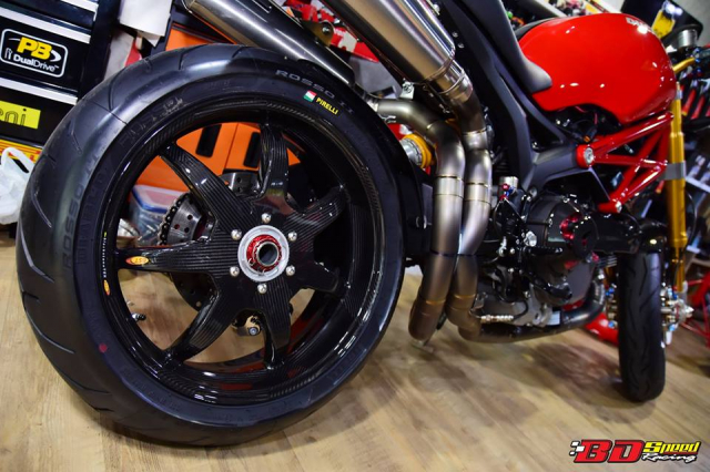 Ducati Monster 1100S do cuc chat voi dan chan khung - 11