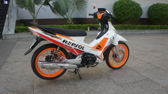 Future X ban do lot xac voi phong cach Repsol the thao - 7