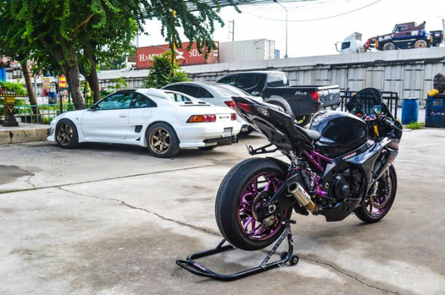 Suzuki GSXR1000 do chat choi voi hinh thai full Black - 8