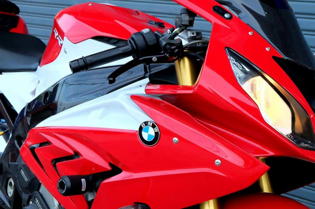 BMW S1000RR Quy du trong bo canh do cuc chat - 4