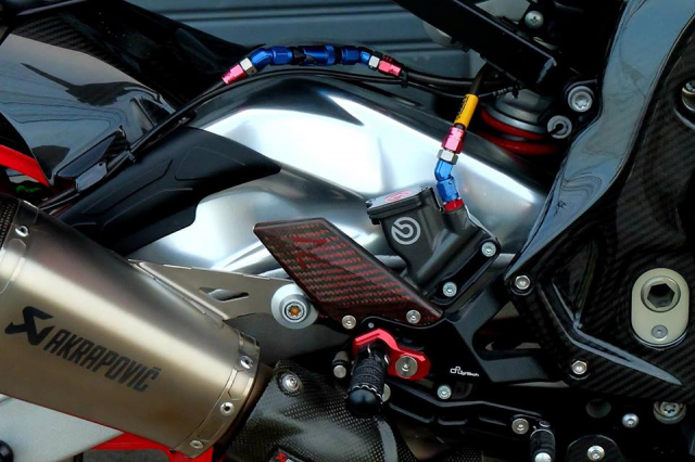 BMW S1000RR Quy du trong bo canh do cuc chat - 11
