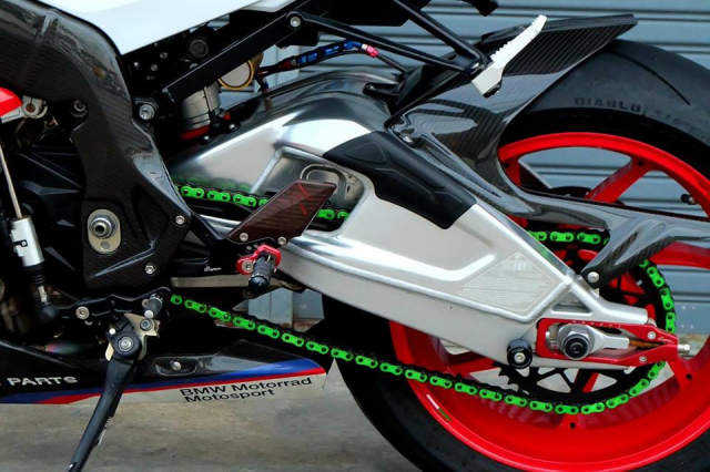 BMW S1000RR Quy du trong bo canh do cuc chat - 13