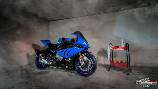 BMW S1000RR ve dep de me cua Ca map Shark tren can