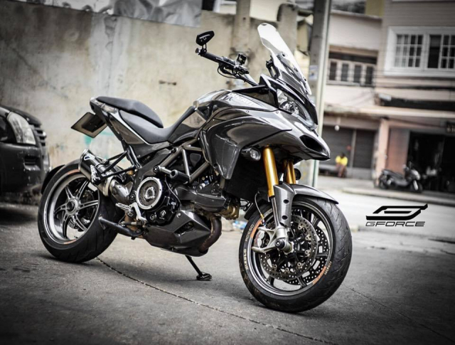 Ducati Multistrada 1200 day me hoac voi than hinh full Carbon