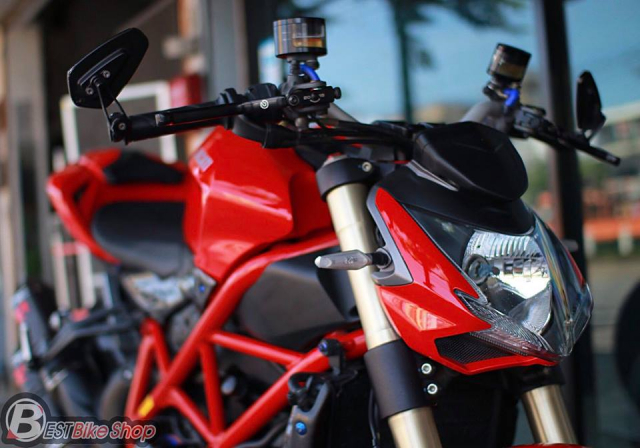 Ducati StreetFighter 848 do chat ngat voi dan option hang hieu - 6
