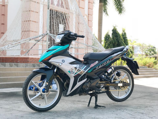 Exciter 150 do lung linh day an tuong voi dan chan bac