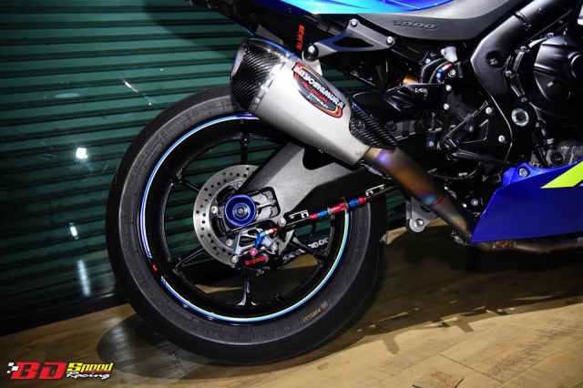 Suzuki GSXR1000 chan dung ban do chat choi den tu BD Speed Racing - 14