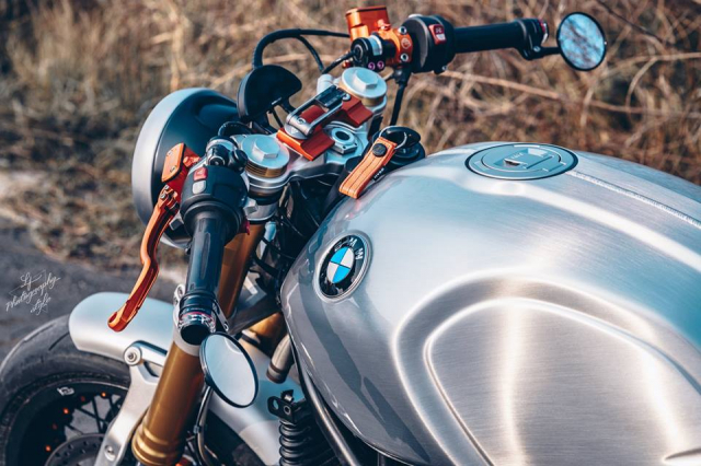 BMW RnineT do chat choi mang dam thiet ke Cafe Racer tan thoi - 4