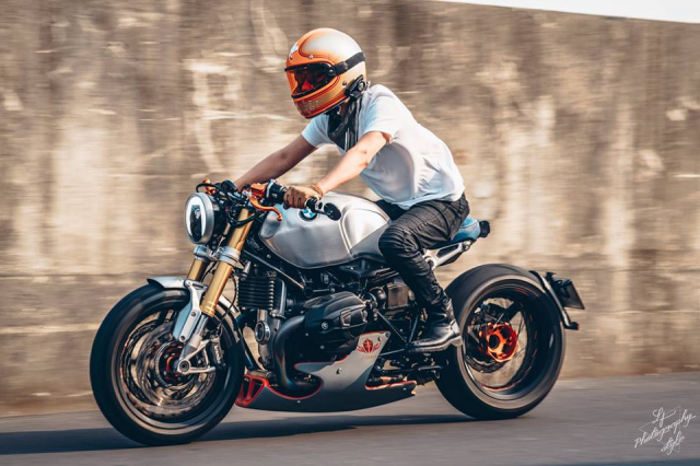 BMW RnineT do chat choi mang dam thiet ke Cafe Racer tan thoi - 16