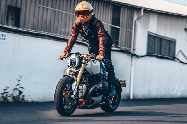 BMW RnineT do chat choi mang dam thiet ke Cafe Racer tan thoi - 22