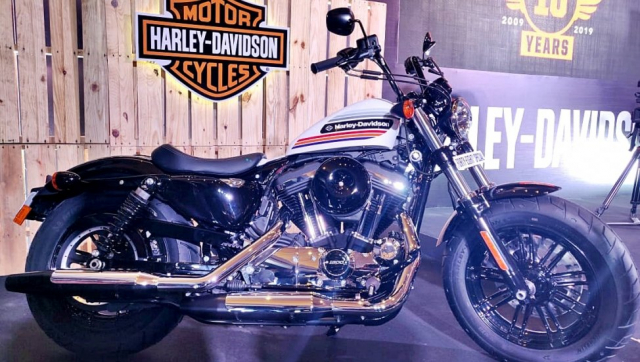 Can canh HarleyDavidson FortyEight Special Street Glide Special 2019 ra mat tu 365 trieu VND