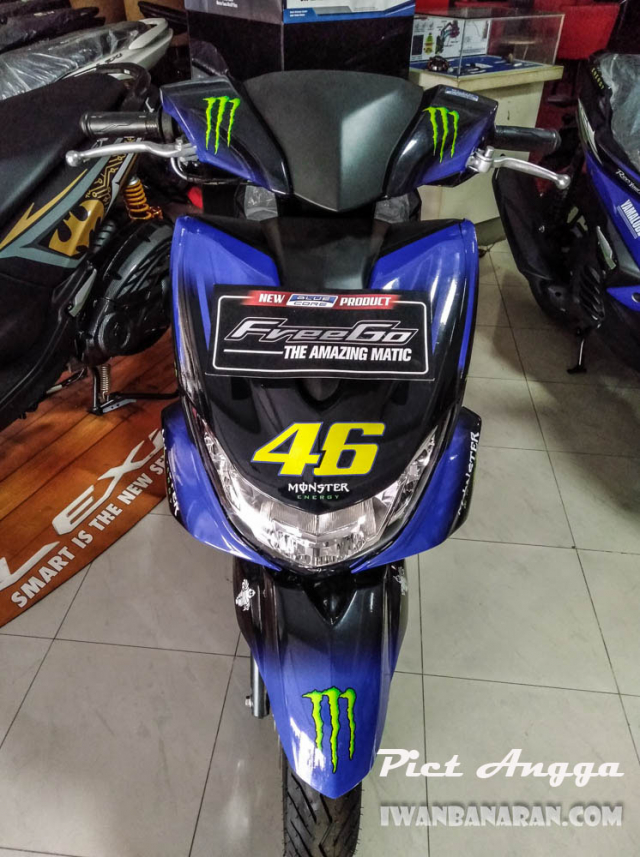 Freego 125 2019 xuat hien voi bo canh Monster Energy tai dai ly - 3