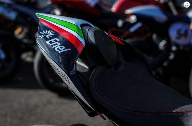 Ducati Panigale V4 Hayden Tribute phien ban dac biet tu dai ly voi gia hon 15 ty - 6