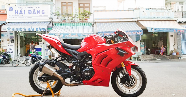 GPX Demon 150 GR do an tuong voi tao hinh y chang Ducati Panigale V4 R - 8