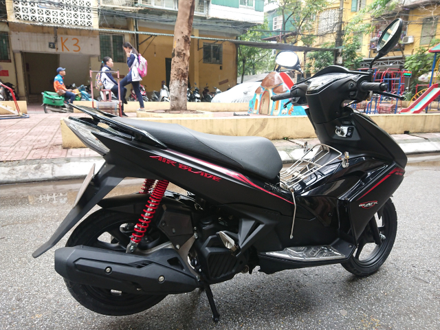 Honda Air blade 125fi Black Edition 2015 den mo chinh chu bien HN