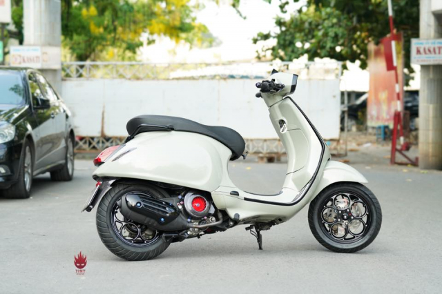 Vespa Sprint do an tuong voi dan chan Maru W125B day chat choi