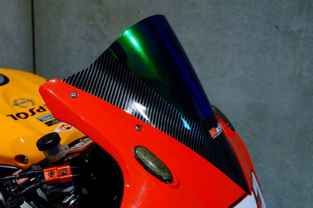 Honda CBR1000RR do day loi cuon trong dien mao Repsol Racing - 6