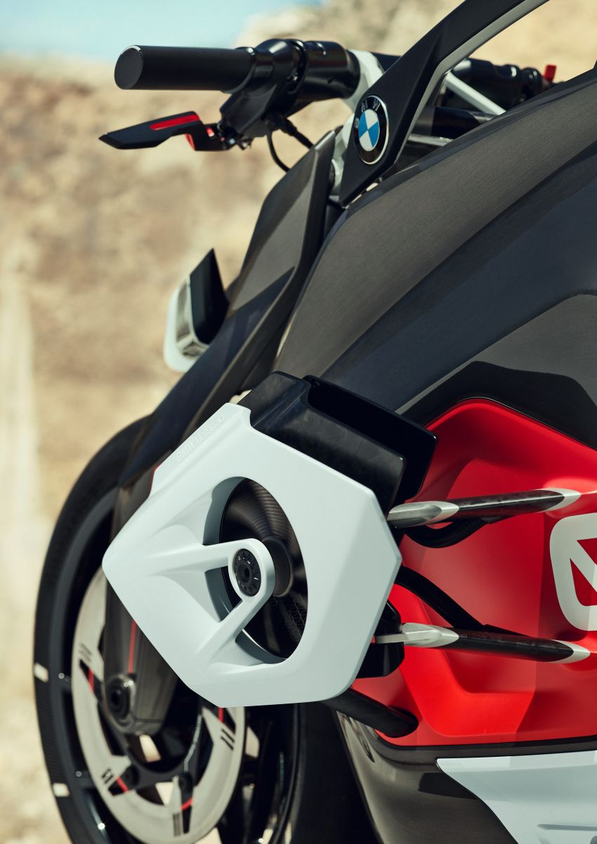 BMW Motorrad gay chan dong voi mau xe dien Vision DC Roadster - 6