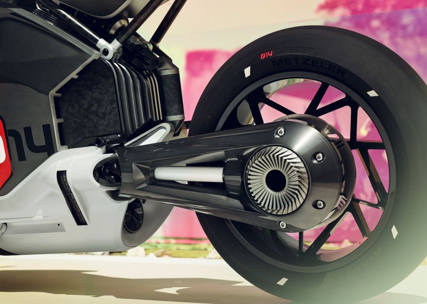 BMW Motorrad gay chan dong voi mau xe dien Vision DC Roadster - 8