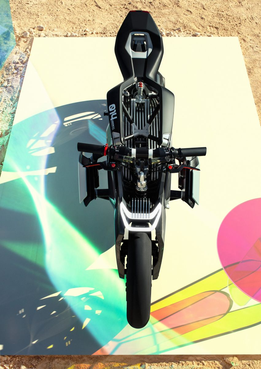 BMW Motorrad gay chan dong voi mau xe dien Vision DC Roadster - 10