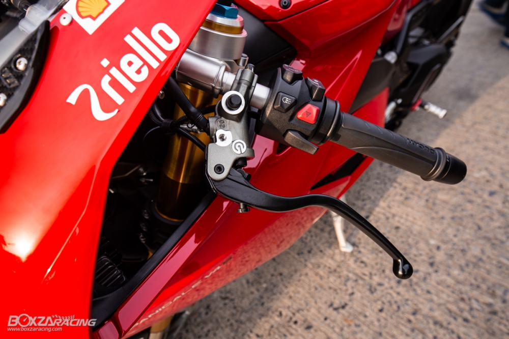 Ducati Panigale V4 S do Ban dung voi phong cach dao pho - 20