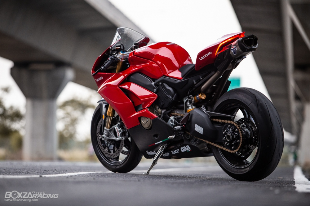 Ducati Panigale V4 S do Ban dung voi phong cach dao pho - 32